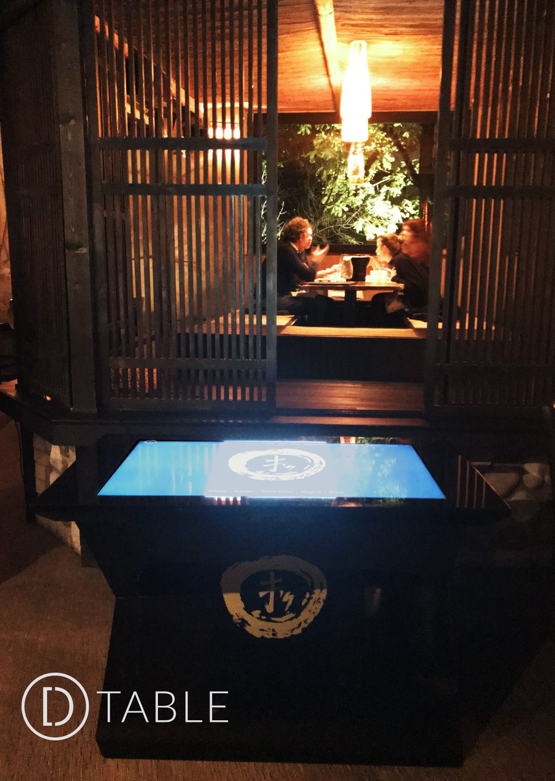 D-Monster Touchscreen Table