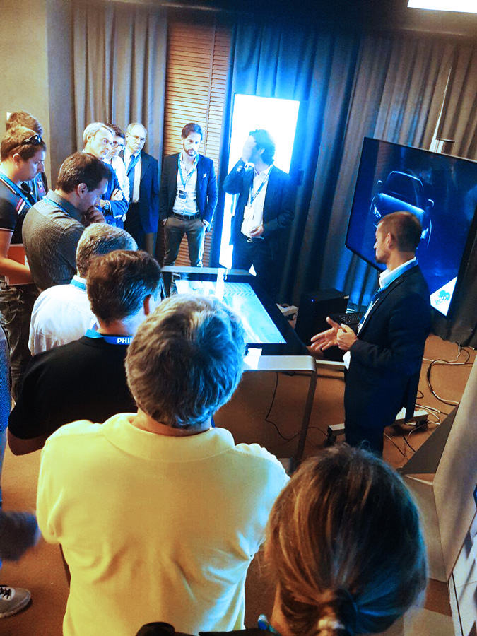 D-Table and Corepixx Roadshow di Milano by Philips