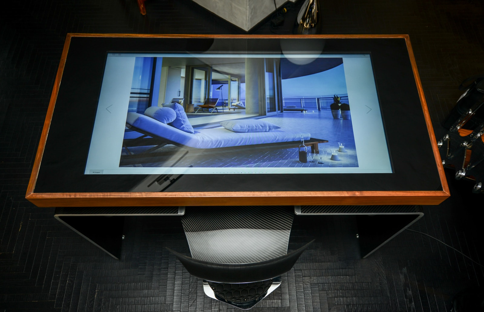 D-Table Multi-touch Display