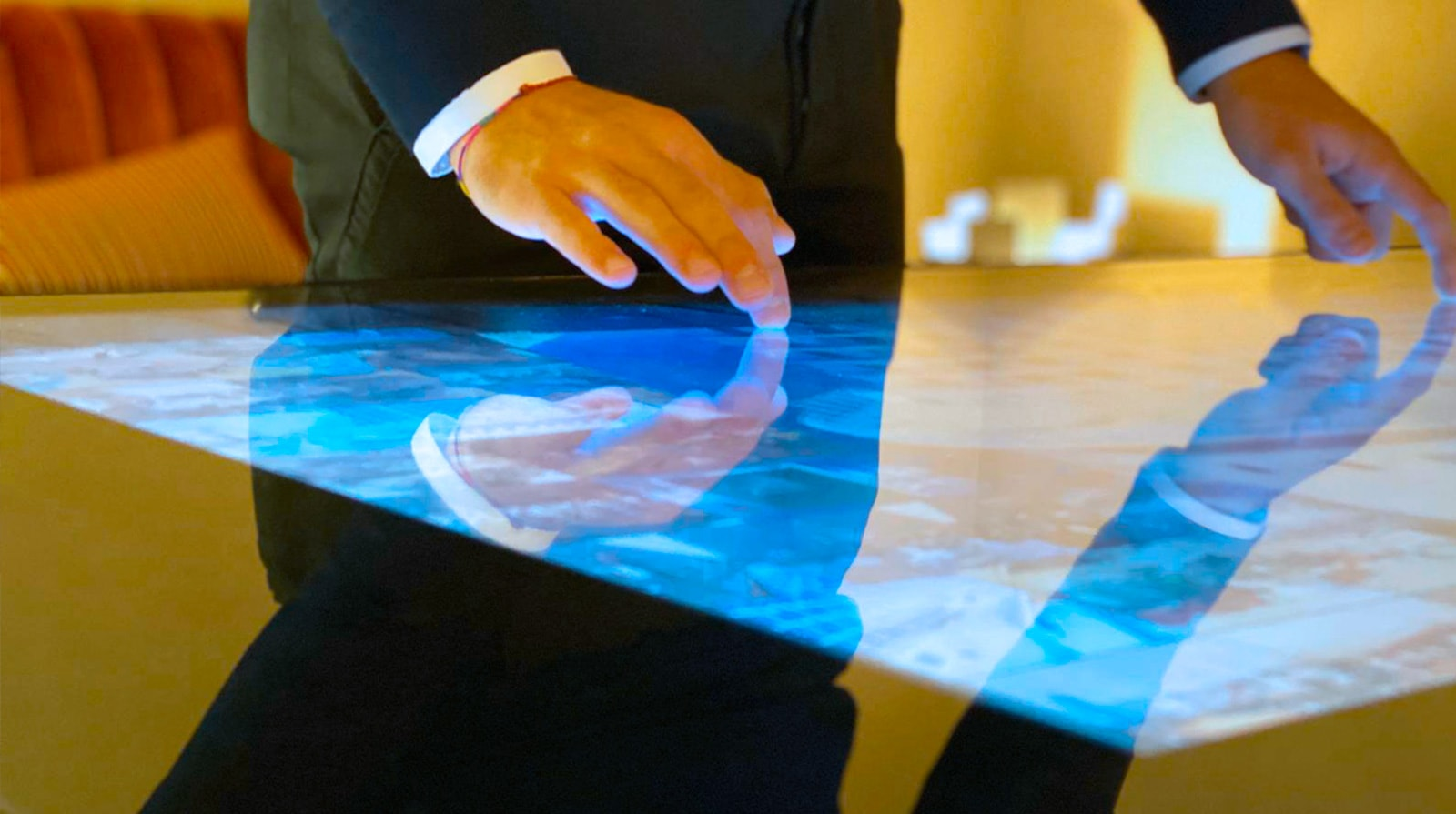 D-Table Luxury Multitouch Table
