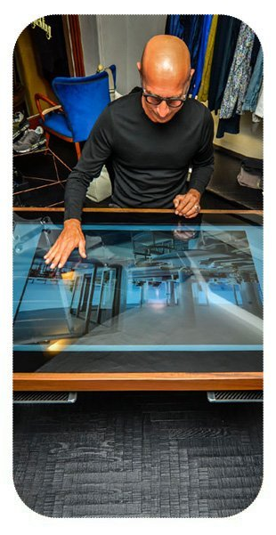 D-Young Touch Table Touchscreen Experience