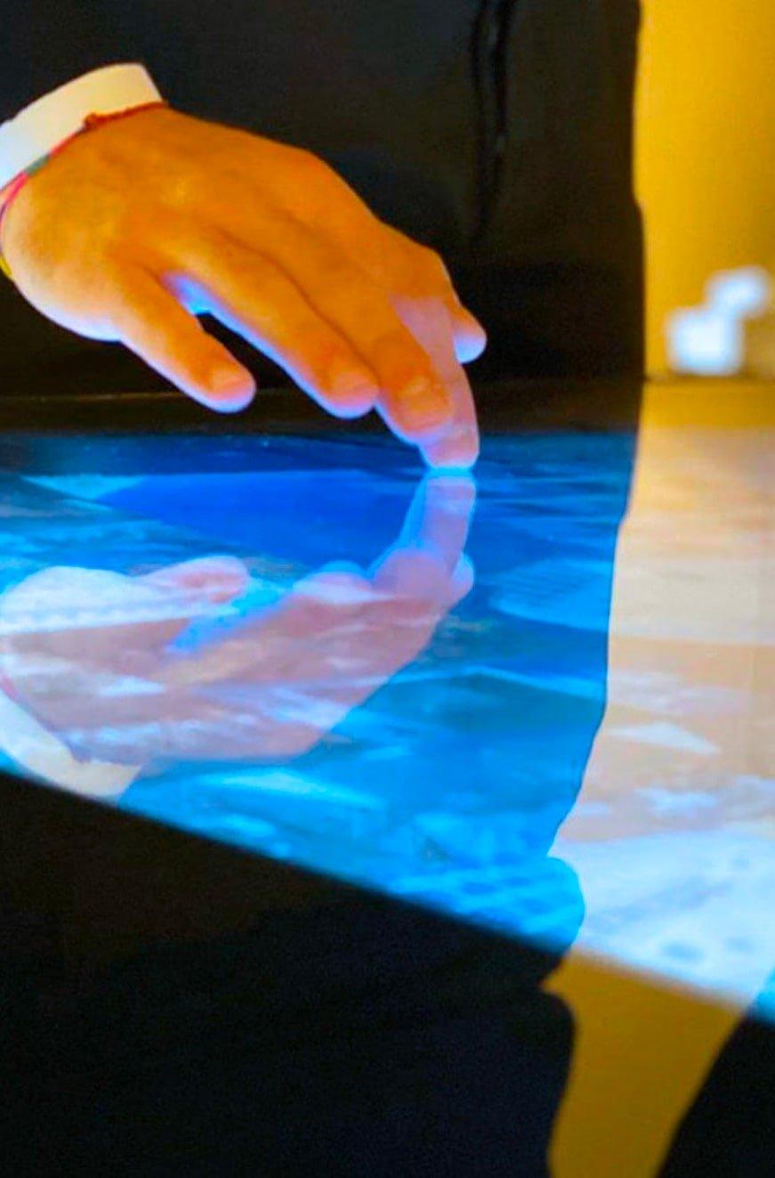 Touchscreen Technology display