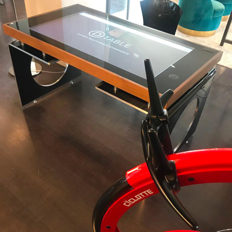 Il salotto di Milano Showroom D-Table